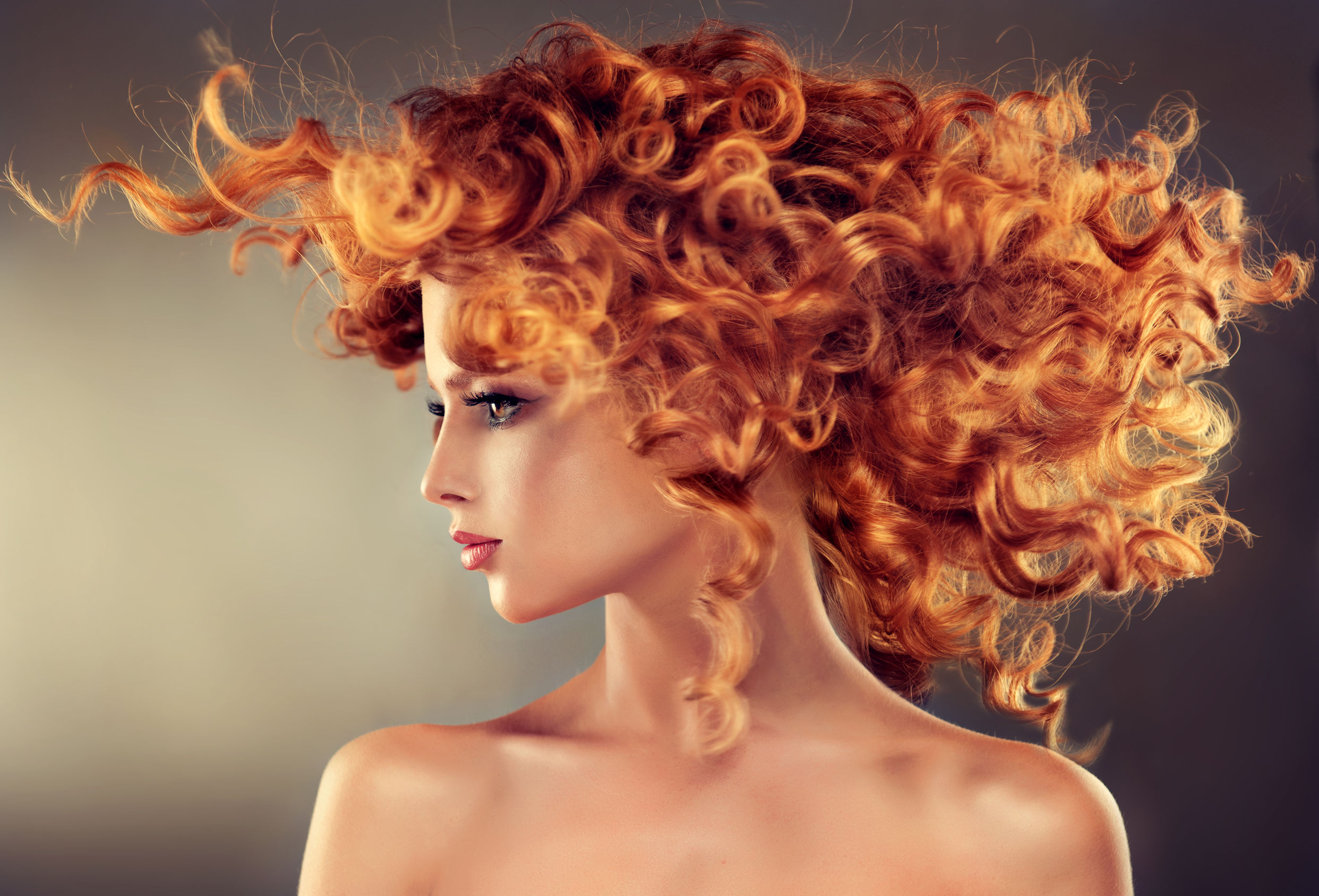 3 Surprising Ways to Curl Your Hair Without Heat Damage!